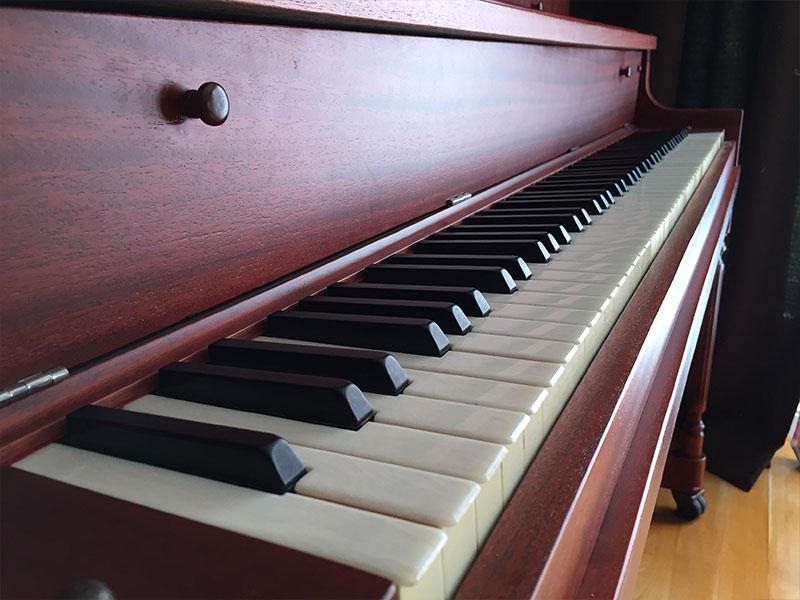 Le clavier refait du Piano L.E.N. Pratte