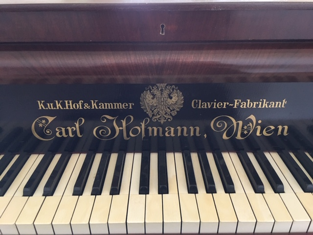 Nameboard du Piano Julius Carl Hofmann