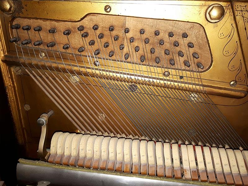 Cordes basses du piano Otto Higel