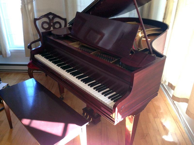 Piano Chickering à queue