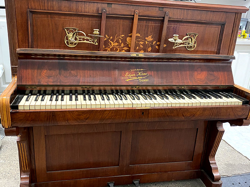 Meuble du piano Edgar Horne