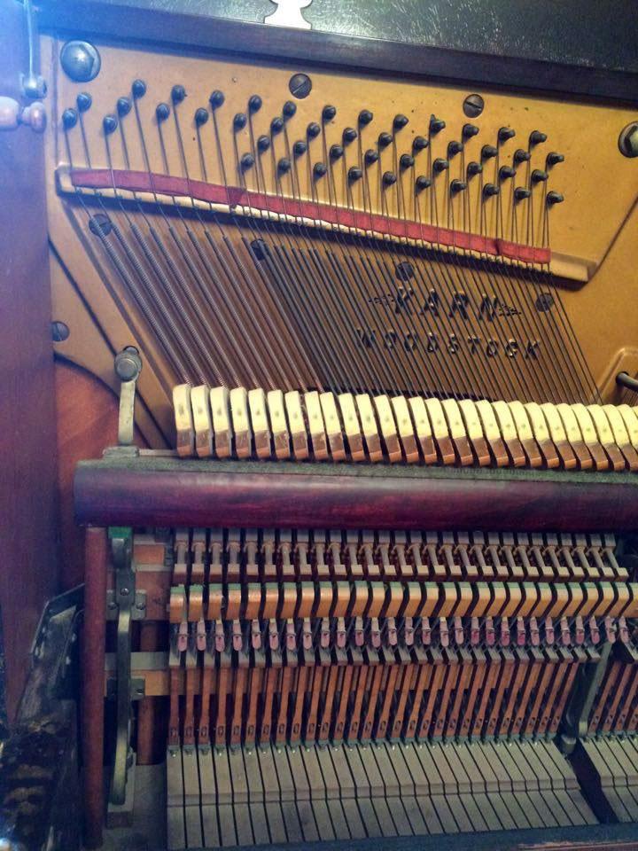 Cordes basses du Piano Karn de WoodStock Ontario