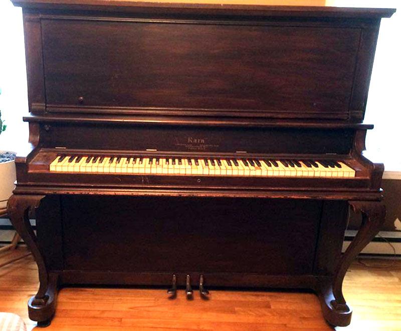 Piano Karn de WoodStock Ontario