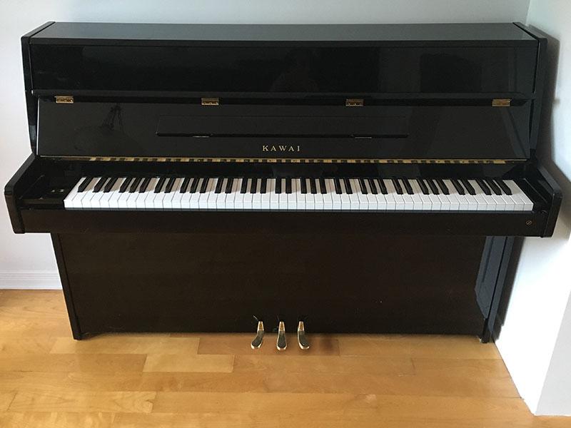 Piano Kawai meuble