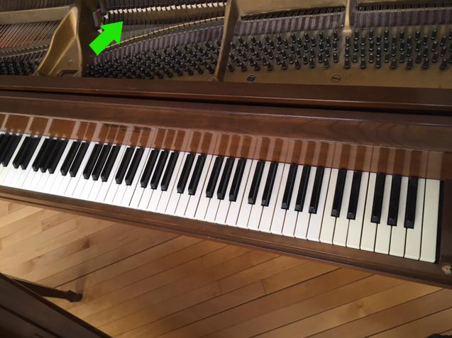 Le clavier du piano Mason-Rich