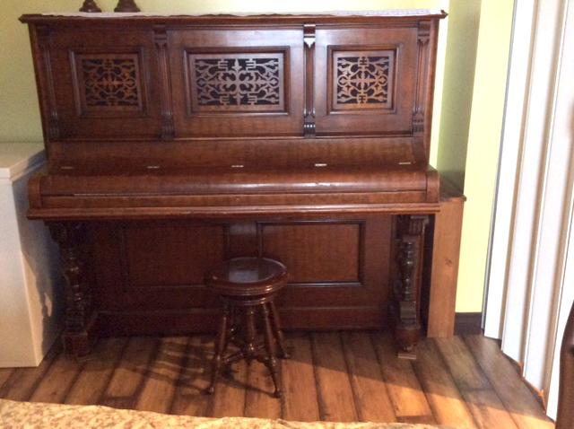 Meuble du piano Demerson