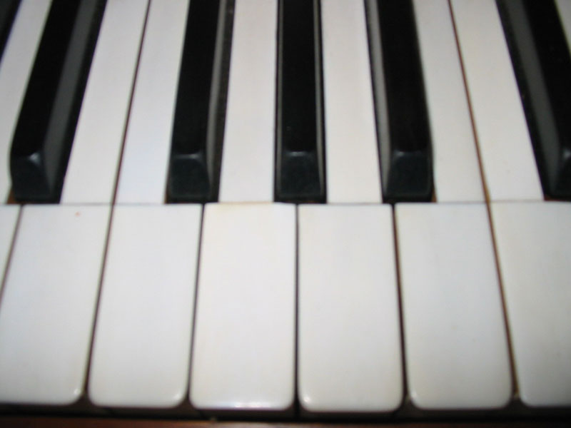 Piano Pratte clavier en ivoire