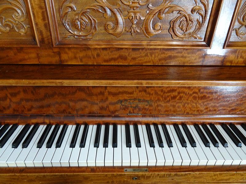 Meuble du Piano Emerson