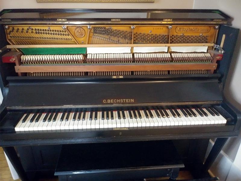 Meuble du piano droit Bechstein