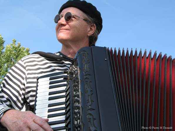 Musette accordionist Mario Bruneau at La Fête des Vendanges in Magog