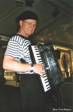 Accordionist Mario Bruneau in Verdun